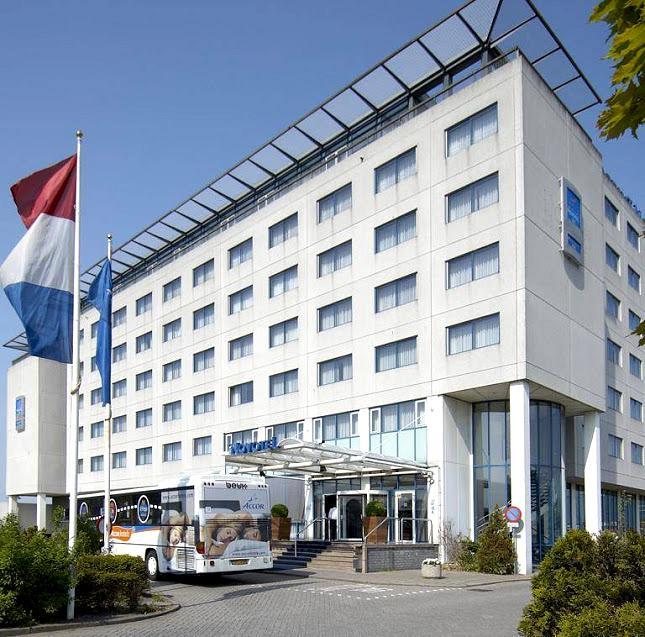 flughafenhotel dorint airport hotel amsterdam g nstig ab 103. Black Bedroom Furniture Sets. Home Design Ideas