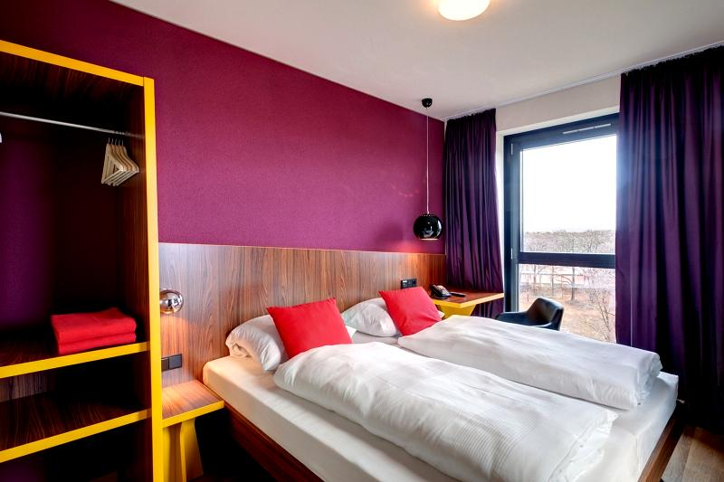 meininger hotel frankfurt airport schon ab 147 buchen. Black Bedroom Furniture Sets. Home Design Ideas
