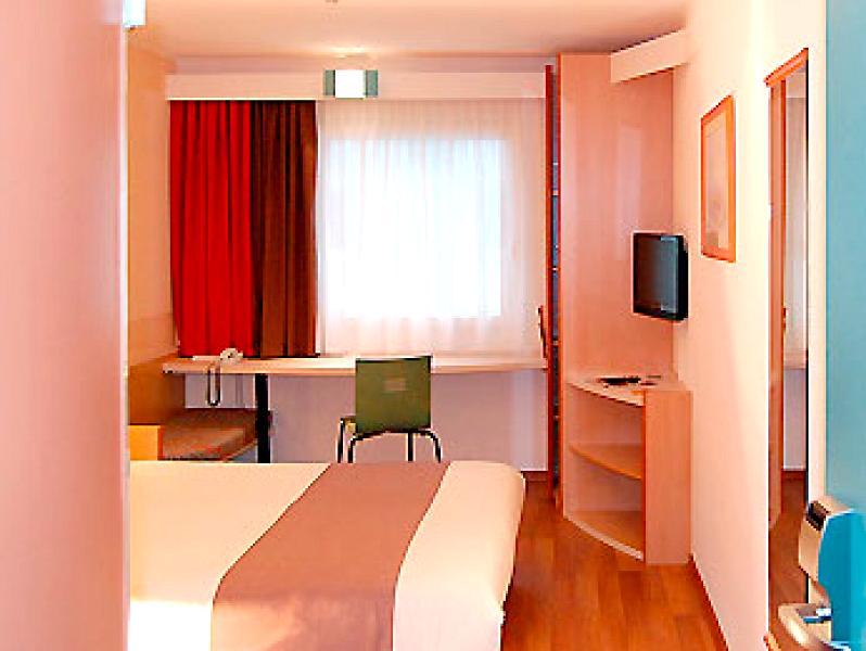 Hamburg Airport Hotel Ibis